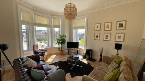 Beautiful 2 Bed Apartment in Wonderful Location!