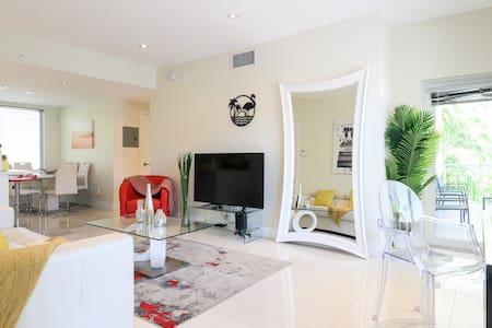 Villa Monaco 3 - New Luxury 2BR / 2BA South Beach