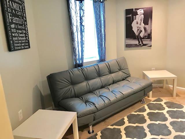 Cozy 2 bedrooms apartment in Marlboro