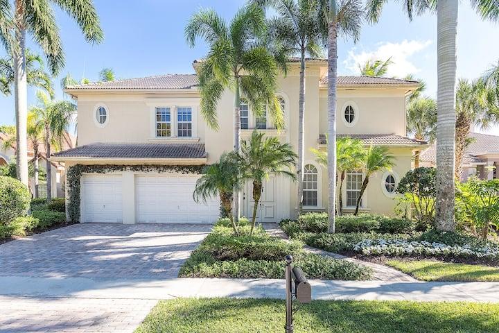 Beautiful Courtyard Home in Palm Beach Polo Club