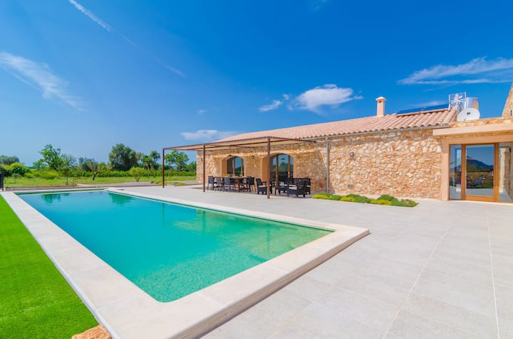 CAN GUSTI - Villa with private pool in Manacor.