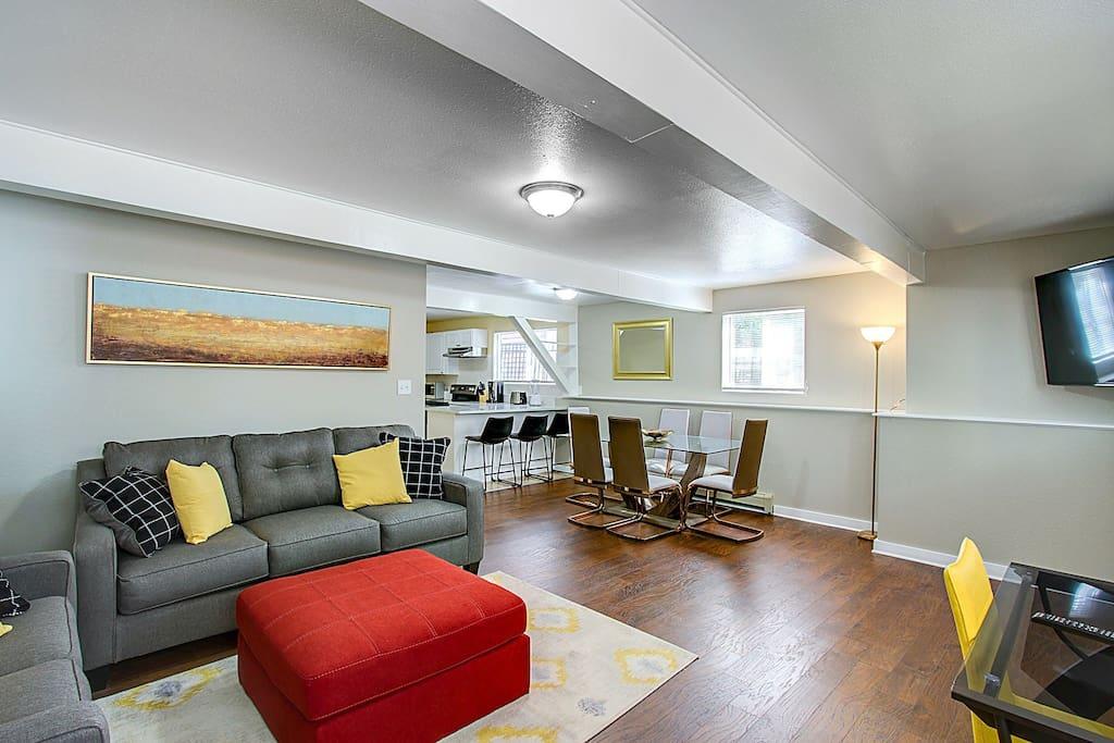 Modern 2 Bedroom In Old Colorado City Apartments For Rent In Colorado Springs Colorado