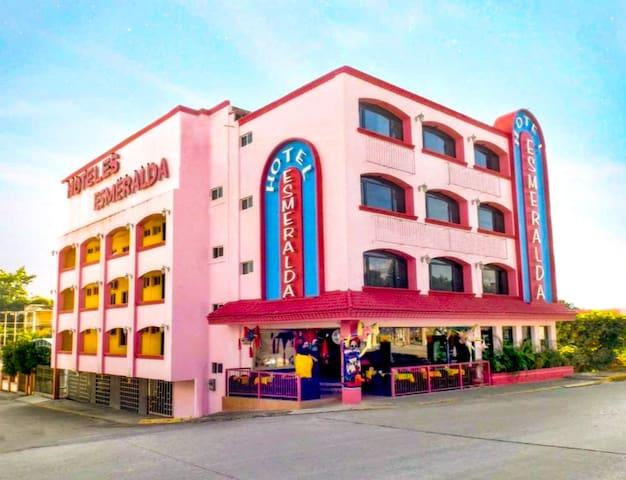 Hotel Boutique Esmeralda. Habitación King Size 2