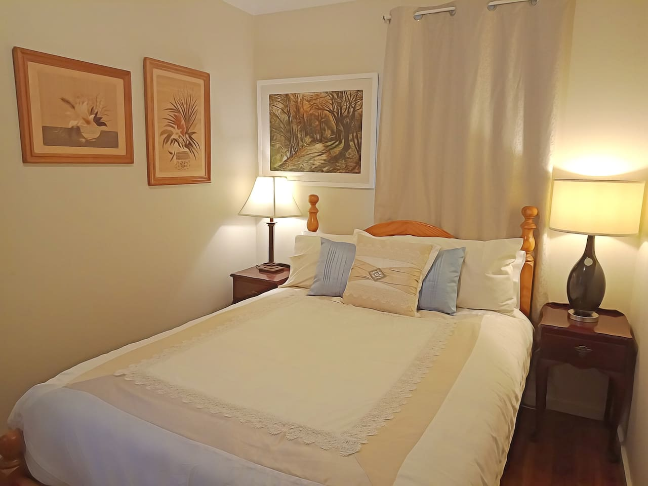 The Autumn Room - One Double Bed