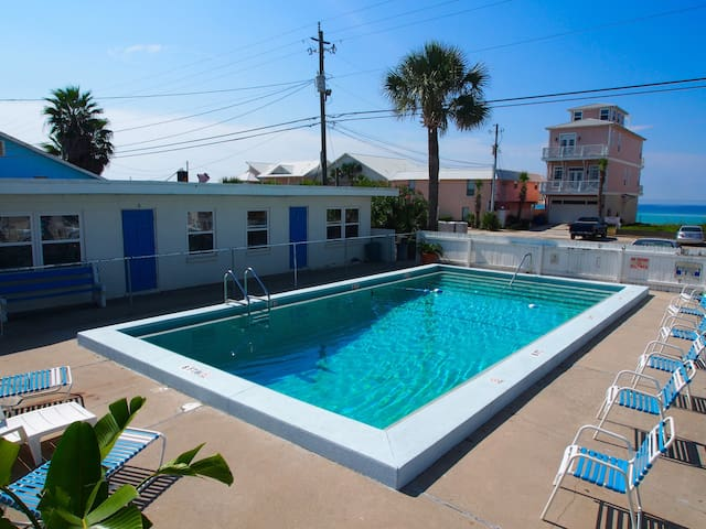 Steps to Beach-POOL - Rm4 - Panama City - Villa