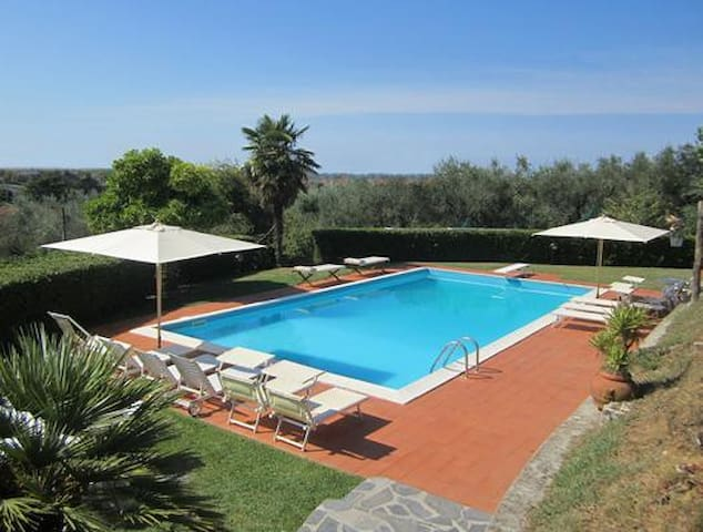 """Duplex apartment """"Veranda"""" in a villa with pool in relaxing green hills and only 4 km from the sea"""