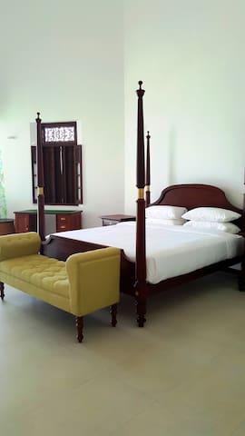 Paradise Suite at PARROTFISH BAY Boutique Villa