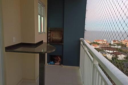 Apartamento no centro com vista para o mar