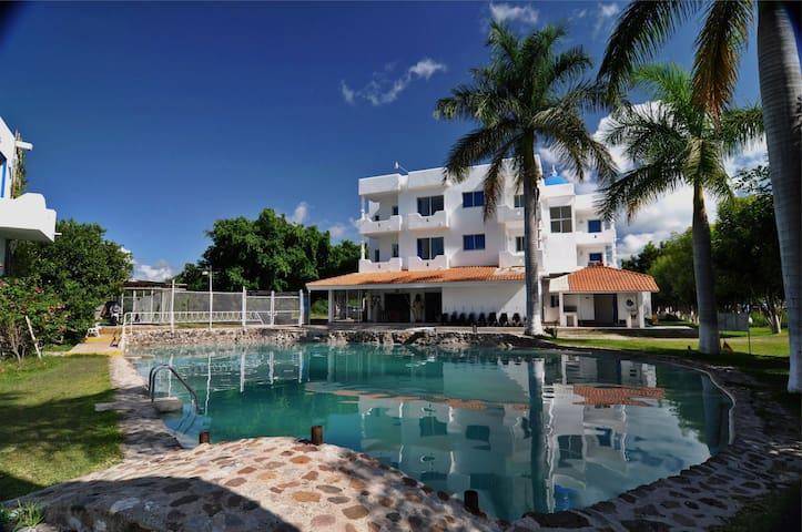 Hotel familiar con Albercas y toboganes