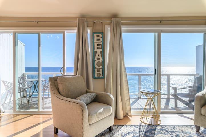 Beachfront Malibu Luxury Condo | 4 ppl