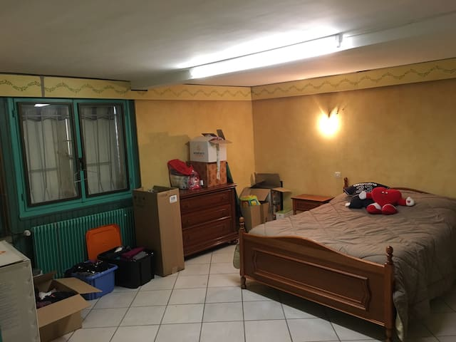 Chambre privée en périphérie de Bordeaux - Saint-Médard-en-Jalles - Hus