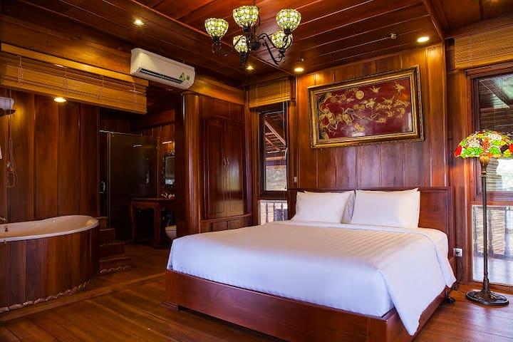 Moon Suite - Saigon Riverside Luxury Homestay - Ho Chi Minh - Dom