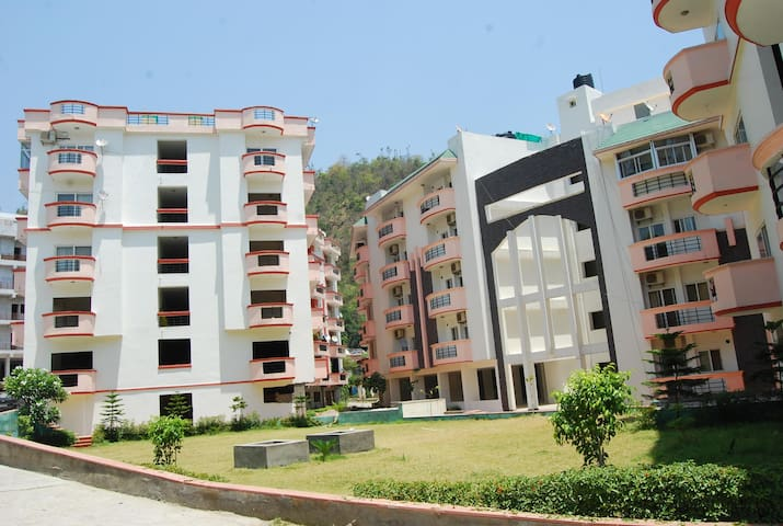 Fully Furnished Apartment with Hill View @ Tapovan - Rishikesh - Leilighet