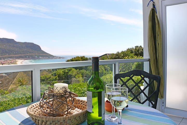 Romantic Studio Apartment above Fish Hoek Beach