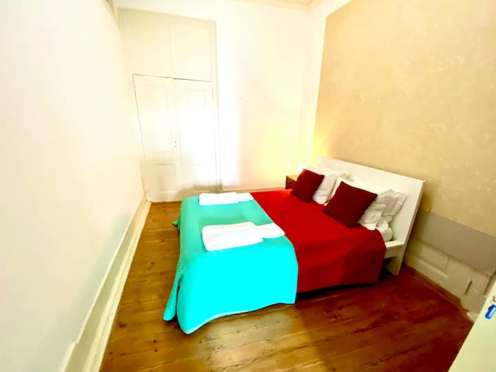Classic room in the city center of Lisbon