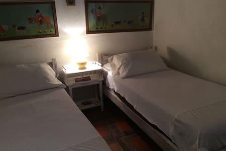 Bed & Brakfast en antigua casona - San Antonio de Areco - Szoba reggelivel