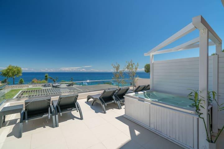 Kymothoe Elite | Superior Suite | Sea View [65 m²]