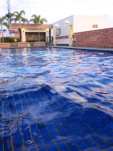 McKinley Hill: Pool, Gym, near Venice Piazza! - Taguig - Apartment