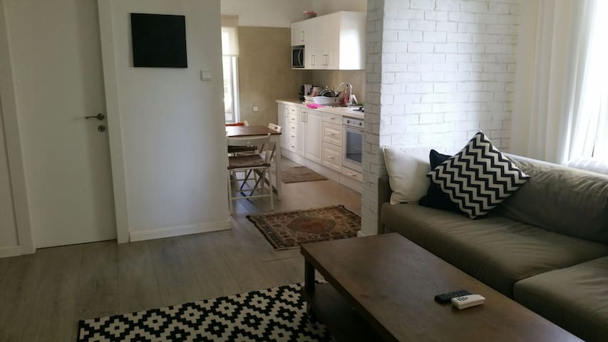 Apartment for couple in north Tel Aviv