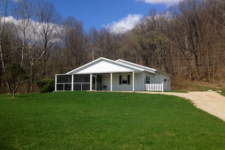 Comfort Cottage - Nelsonville - Appartement