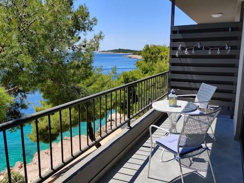 ~ Villa Sunset · Stunning Seafront Apartment 1 ~