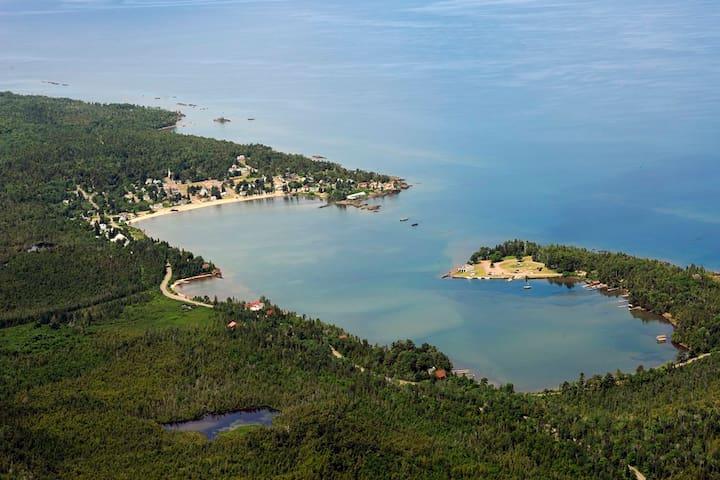 Northern Lights Retreat - Eagle Harbor - Huis