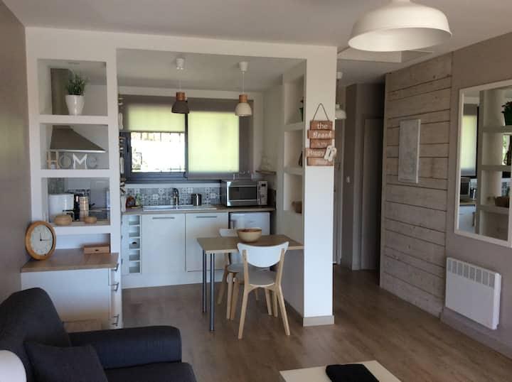 Studio tout confort 30 m2 + terrasse 12 m2 vue mer