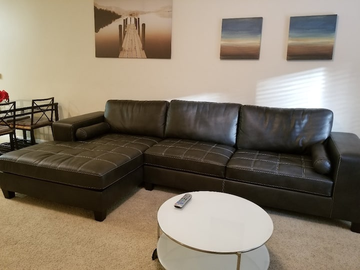 *26/3 Bed 2 Bath, Walk to Convention Center