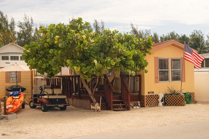 1.5 bed/1 bath Tropical Getaway in Key Largo