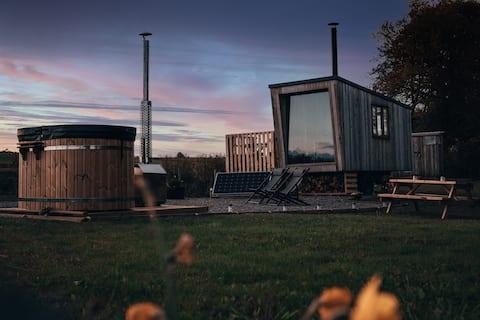 Shepherd 's Hut, Off-Grid, Hot Tub i Beacons View