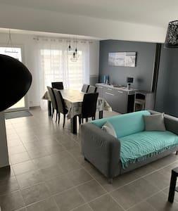 maison de vacance de 90 m2 avec jardin