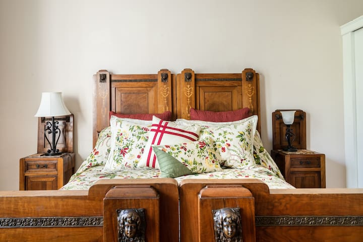 Front bedroom features an antique Italian bed set with a very comfortable,  queen size bed.