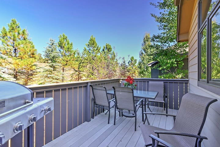 The private furnished patio provides excellent alpine views.