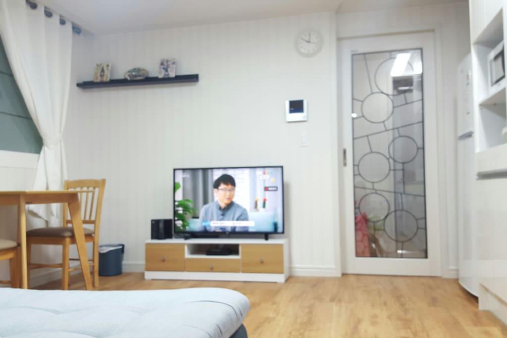 여가시간을 책임질 43인치 Lcd Tv
