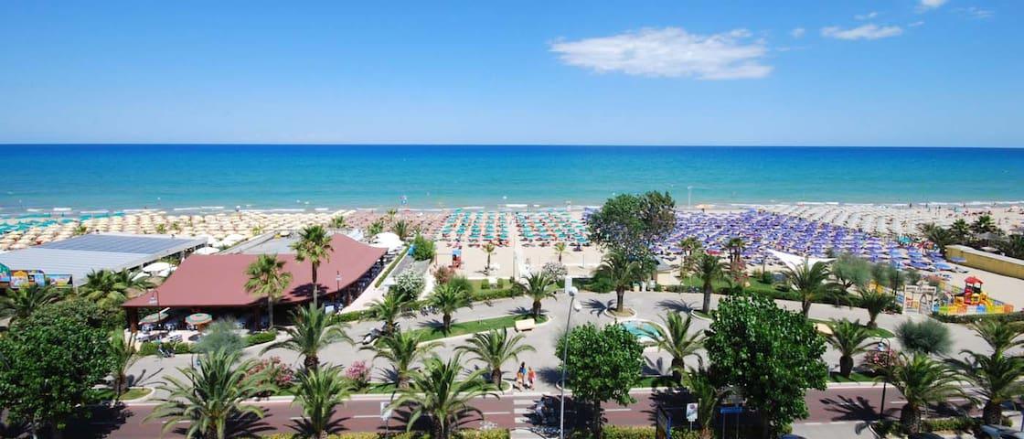 Appartamento ad Alba Adriatica zona pinete - Alba Adriatica - Apartment
