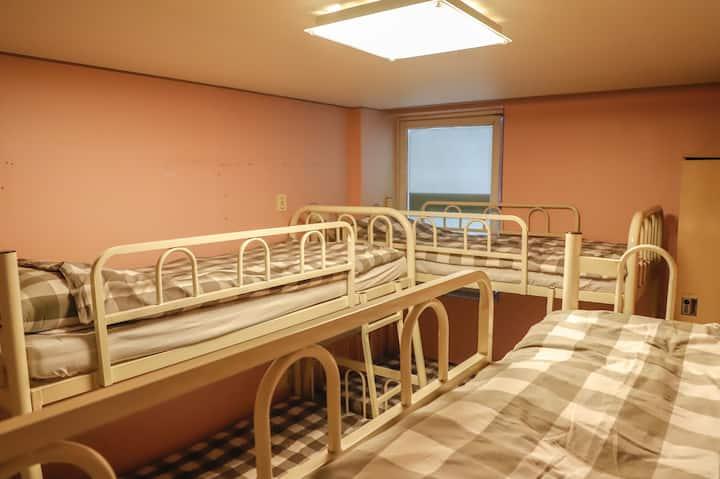 여성전용 단체룸(6-Bed Female Private room) #2