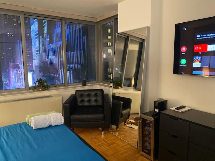 1 minute from Times Square Exclusive Luxury Room