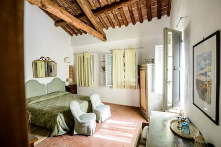 Bedroom in a farmhouse near Venice - San Martino di Venezze - Willa