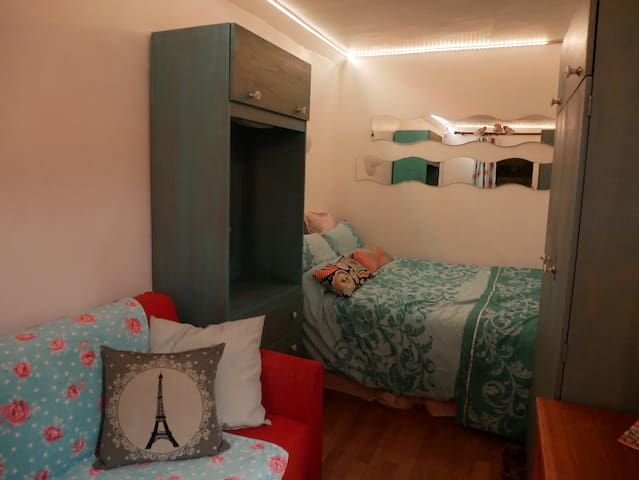 Double room in quaint city cottage - Cork - Hus