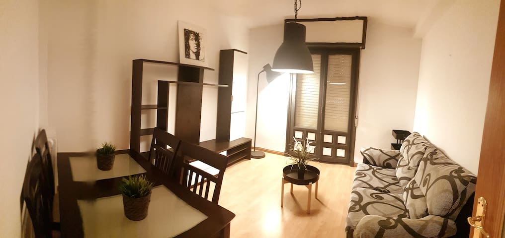 "Apartamento boutique ""ROCK Y CINE"""
