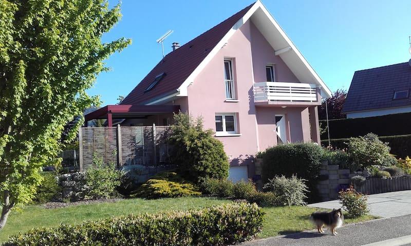 Chambre au calme sur la route des vins d'Alsace - Soultz-Haut-Rhin - Bed & Breakfast