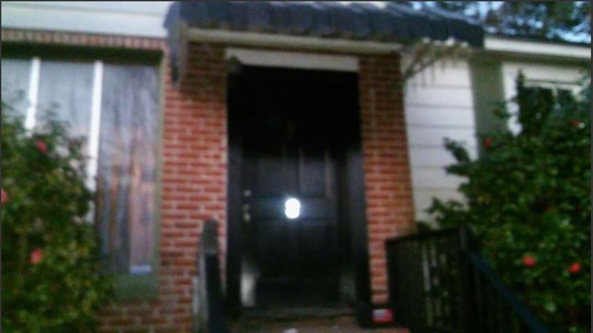 VBG House Roseland Dr 3 Bedrooms (Front Duplex)