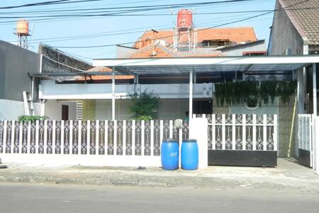 Sakura Della, Comfy Hostel in Central Jakarta
