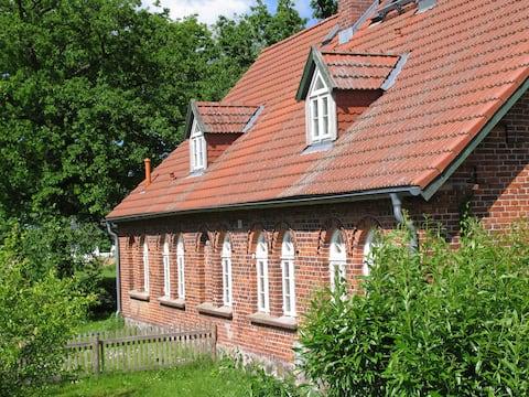 Fewo im denkmalgeschützten Landhaus, neue Küche!
