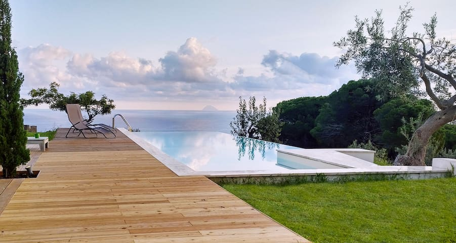 Mediterranean Essence