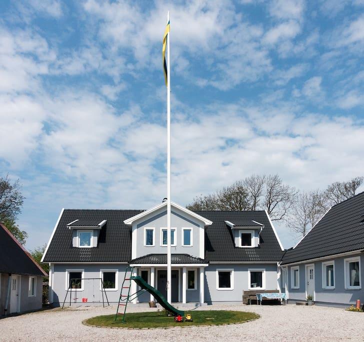 modernes wohnen auf einem alten bauernhof wohnungen zur miete in b stad sk ne l n schweden. Black Bedroom Furniture Sets. Home Design Ideas