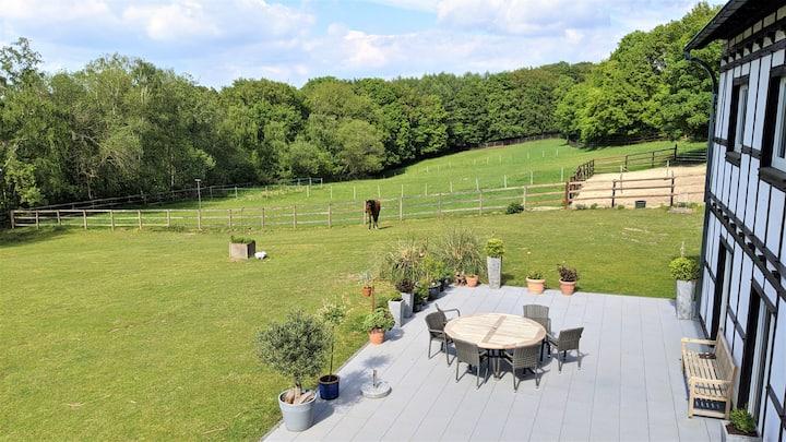 110m² location on idyllic farm with own entrance