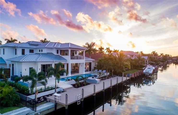 AQUALANE COVE - Luxury Coastal Contemporary Home