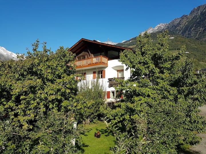 "Spacious Apartment ""Ferienwohnung Lafreit Algund"" near Merano with Mountain View, Wi-Fi & Garden; Parking Available"