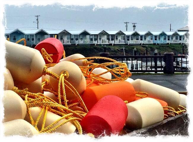 Jacuzzi Waterfront Cottage - Westport